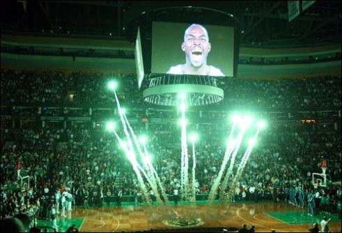 Una sobria presentazione dei Celtics