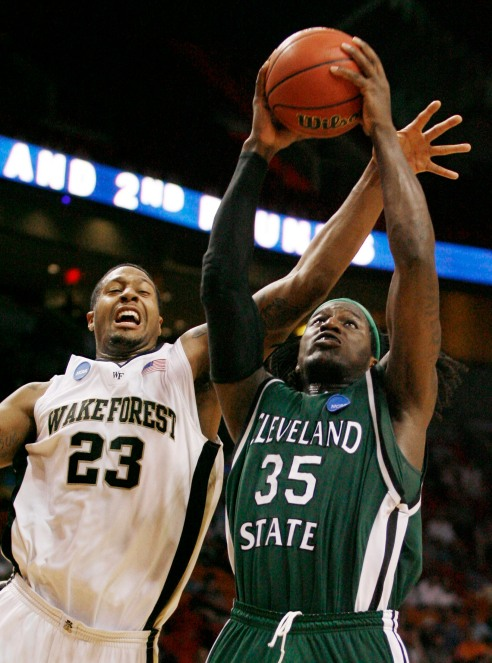 Eppinger prova a fermare Bullock: che upset in Wake Forest-Cleveland State
