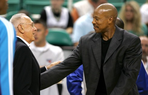 Larry Brown (sinistra) con Byron Scott (coach Hornets)