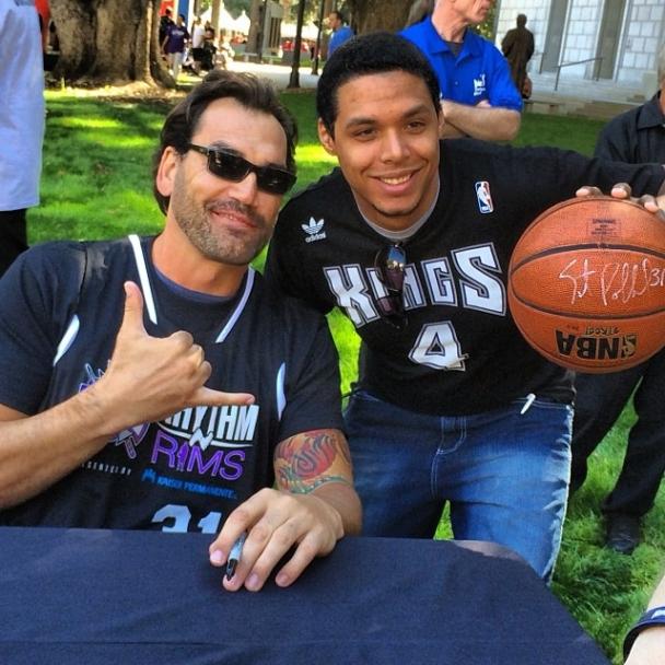 Scott Pollard con un fan
