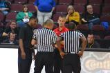 Gli arbitri con i due coach